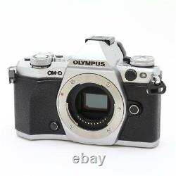 Mint! Olympus Om-d E-m5 Mark II Silver Sd Card 16gb Class 10 Set